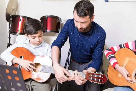 classical-guitar-lessons-dublin-7
